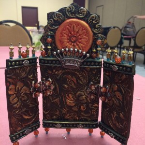 Teresa who joined me for three classes created this super cool hinged piece!